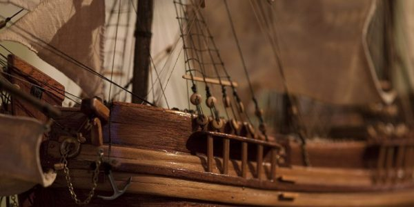 model-of-The-Hector-which-took-emigrees-from-Loch-Broom-to-Pictou-Canada
